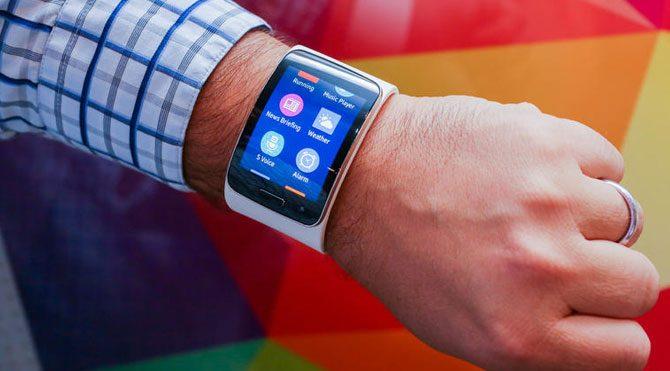 Samsung-Galaxy-Gear-S-670